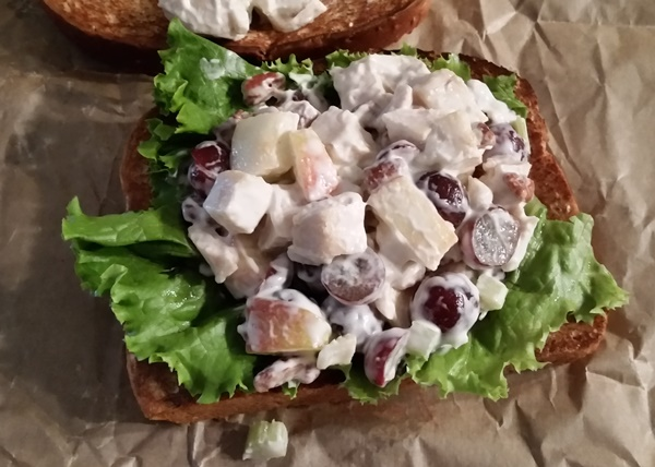 arbys pecan chicken salad sandwich